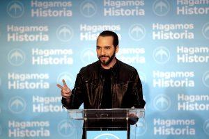 Buvęs Salvadoro sostinės meras skelbia pergalę prezidento rinkimuose