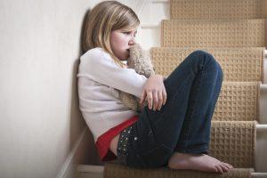 Gėdos lenta: paviešinti tėvai, kurie neišlaikė savo vaikų ir slapstėsi