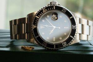 """Kuriozas: policijai pranešė apie """"Rolex"""" vagystę, bet laikrodį rado namuose"""