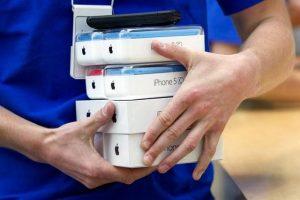 Prognozės sutrintos į miltus: iPhone 5S ir iPhone 5C pardavimai muša rekordus