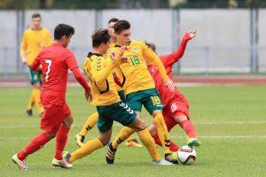 Lietuvos 17–mečių futbolo rinktinė pralaimėjo turkams