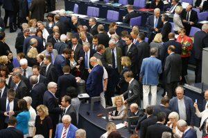 Vokietijos parlamentas pritarė A. Merkel siūlymui derėtis dėl pagalbos Graikijai