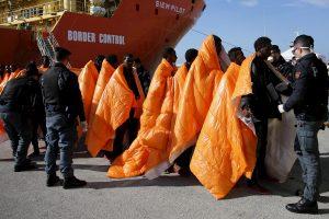 Prie Libijos krantų buvo išgelbėta 2400 migrantų, 14 – žuvo