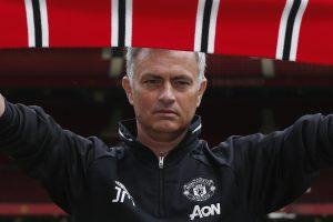J. Mourinho: aš daug tikiuosi iš šio klubo sirgalių