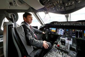 Škotijoje pakilti besiruošiančio lėktuvo pilotą ištiko širdies smūgis