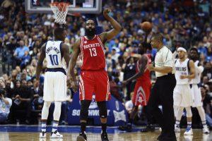 """J. Hardeno vedama """"Rockets"""" laimėjo emocingą mačą Dalase"""