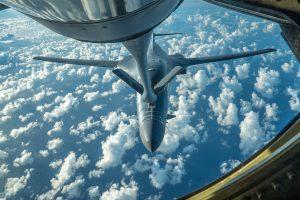 JAV bombonešiai praskrido virš Korėjos pusiasalio