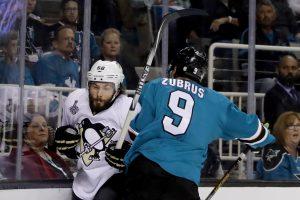 D. Zubraus komanda tolsta nuo NHL Stenlio taurės