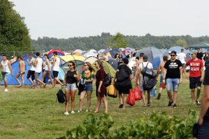 Karklėje – festivalininkų apgultis