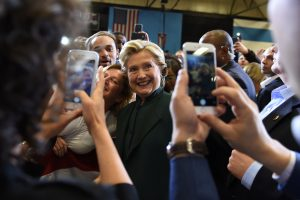 H. Clinton kampanijos biure rastas įtartinas vokas