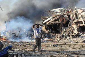 Aukų per sprogimą Somalio sostinėje padaugėjo iki 53