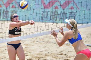Lietuvos paplūdimio tinklininkės pasaulio jaunimo čempionate iškovojo vieną pergalę