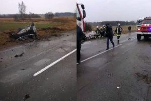 Girtas vairuotojas po avarijos bandė užsukti alkoholio butelį