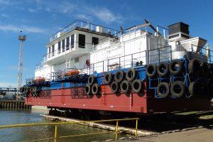 """""""Vakarų Baltijos laivų statykla"""" – ant bangos"""