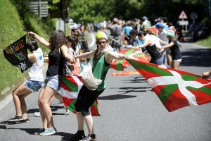 Baskai suformavo 123 km gyvąją grandinę ir reikalavo balsavimo dėl nepriklausomybės
