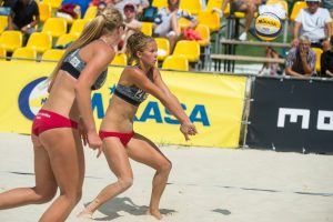 Paplūdimio tinklinio čempionate – pajėgiausios šalies poros