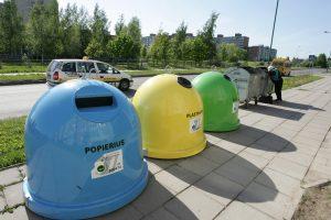 Atliekas konteineriuose siūlo pirmiausia pasverti, o tada apmokestinti