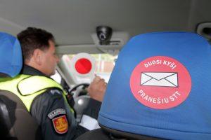 Ekskavatoriaus vairuotojui pareigūnų papirkti nepavyko