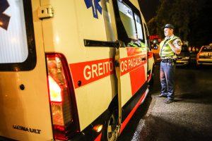 Per avariją Vilniuje žuvo keleivis, vairuotojas – ligoninėje