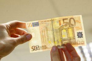 Su padirbtais eurais įkliuvo jauni panevėžiečiai