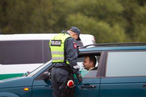 Atleistas pareigūno vardą pažeminęs Jurbarko policininkas