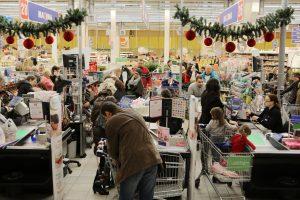 Paauglės įjunko vagiliauti prekybos centruose
