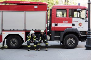 Klaipėdos ugniagesiai gelbėjo ir auklėjo