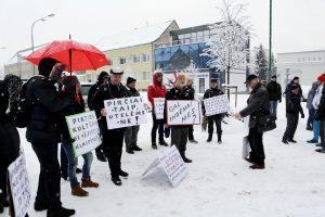 Protestavę pirtininkai baudos išvengė