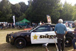 Į pajūrį – šerifo mašina