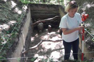 Pravėrė Kukuliškių piliakalnio praeitį