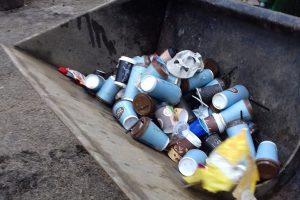Poilsiautojai pasipiktinę: Olando Kepurėje – puodeliai