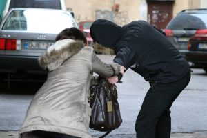 Policija apie pensininkių plėšiką: jį tikrai rasime
