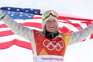 JAV snieglentininkė apgynė olimpinės čempionės titulą