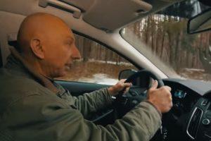 """""""Regitra"""" paaiškina, kaip vairuotojai turėtų atlikti aplenkimą"""