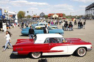 Klaipėdos gatvėse – išskirtiniai automobiliai