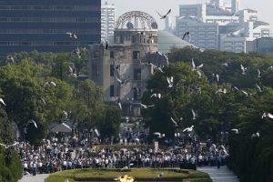 Šiurpi sukaktis: Hirošimoje paminėtos atominio bombardavimo 70-osios metinės