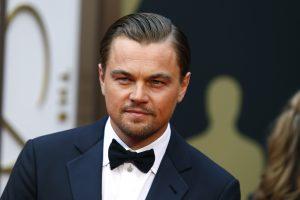 L. DiCaprio ir jo draugė pateko į avariją