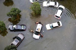 Kas nutinka skendusiems automobiliams?