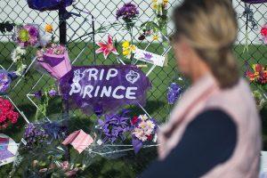 Policija: dainininkas Prince'as veikiausiai nenusižudė