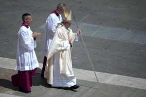 Bus atšaukiami vyskupai, aplaidžiai reagavę į vaikų lytinį išnaudojimą