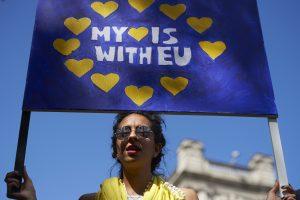 Prezidentė ragina Britanijos lietuvius kovoti už savo teises