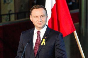 Lenkijos prezidentas neratifikuos anglies dioksido išmetalų mažinimo pakto