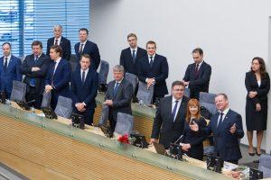 Vyriausybė pritarė, kad Seimo narių būtų mažiau, o rinkimai vyktų kovą