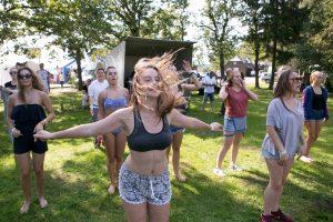 Kauniečius linijinių šokių nemokamai mokys garsūs šokėjai