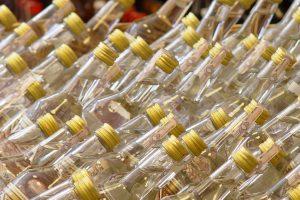 Kovo 8-osios šventė su 8 vogtais buteliais degtinės