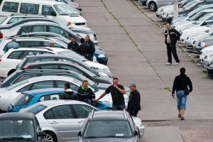 Keičiasi automobilių pirkėjų įpročiai