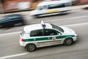 Kyšininkavimu įtariami Kauno patruliai – nušalinti nuo tarnybos
