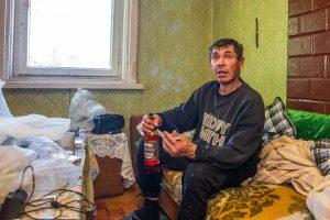 Pakvipo afera: milijonierius gyvena kaip vargšas