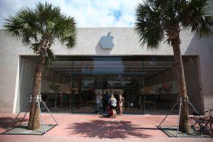 """Milžinės """"Apple"""" apsukos mažėja?"""