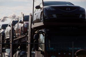 Kauno automobilių turguje – dešimtys tūkstančių neapskaitytų grynųjų
